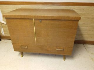 Cavalier Vintage Mid Century Cedar Chest with lower Drawer 30 x 36 x 18 in