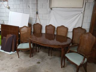 Thomasville French Provincial Style Dining Table 29 x 56 x 40 in with 4 Newly Upholstered Chairs and 2 Newly Upholstered Captains Chairs Four Piece Table Cover and 2 Table leaves 20 in Wide Each