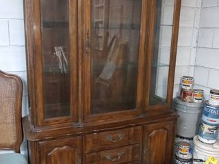 Thomasville French Provincial Style lighted 2 Piece Buffet Hutch 75 x 50 x 18 in