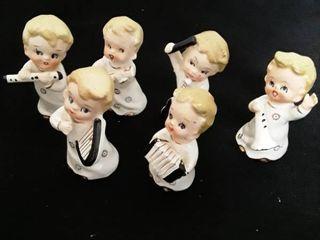 6 little Children playing instruments