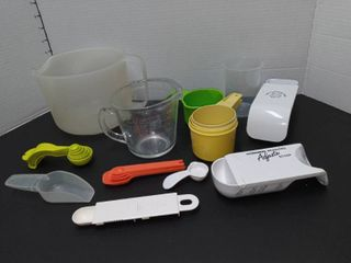 The Pampered Chef  Pyrex and Tupperware Measuring Cups and Spoons