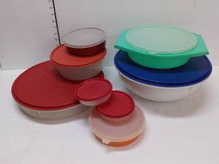 Tupperware with lids lot of 8