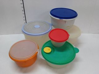 Tupperware with lids lot of 6