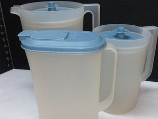 Tupperware Pitchers and Cereal Container with lids lot of 3