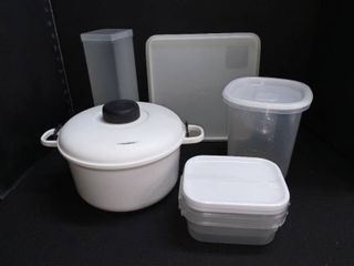 Various Plastic Food Storage Containers with lids lot of 5