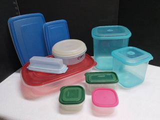 Rubbermaid and Assorted Plastic Food Storage Containers with lids lot of 10