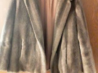 Princeton s Tempation Fur  ladies Fur Coat  Size Small