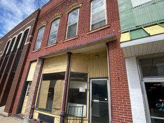 Former Bob's Pharmacy Building
