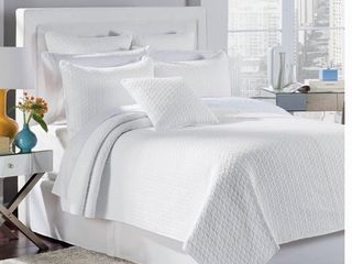 Tristan Quilt Set by Estate Collection   White   Twin