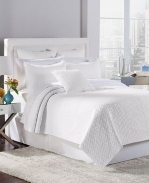 Tristan Quilt Set by Estate Collection   White   Full  Queen