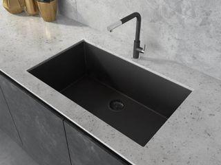 Ruvati 30 x 18 inch Granite Composite Undermount Single Bowl Kitchen Sink   Midnight Black   RVG2030BK  Retail 279 00 black