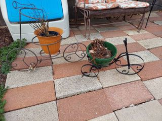 2 Planters   Bicycle and Tricycle