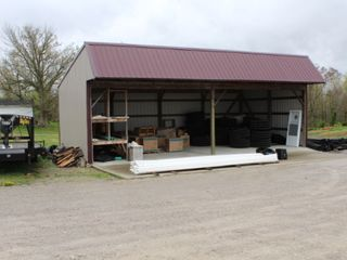 3600 SQ. FT. COMMERCIAL BUILDING ON 1 ACRE - Online Bidding Only Ends Thurs. May 27th @ 3:00 PM CDT