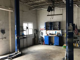 Auto Body Shop Equipment � Auto Lift � Paint Booth Frame Machine � Tools���Horse Tack ��Online Only