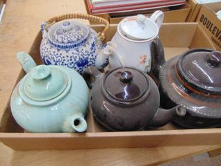 Teapots lot