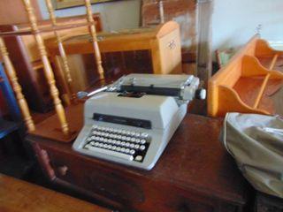 Royal 440Typewriter