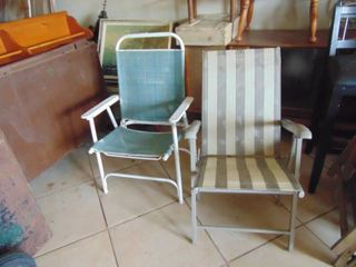 Pair of Mismatched Collapsible Chairs