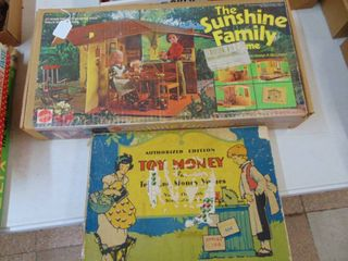 Sunshine Family and 1930 s Game