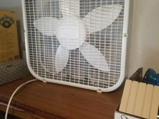 lASKO 20  BOX FAN