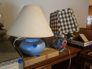 2 NIGHT STAND lAMPS  14  TAll