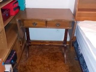 NICE ANTIQUE DROP lEAF TABlE H 28 IN W 18