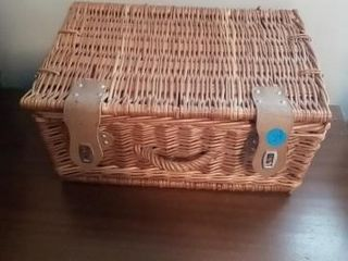 WICKER BOX WITH ANTIQUE DOllS AND DOll ClOTHES