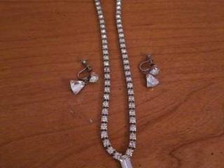 VINTAGE COSTUME DIAMOND NECKlACE AND EARRINGS