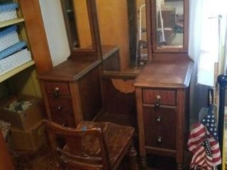 ANTIQUE VANITY DRESSER WITH A CHAIR