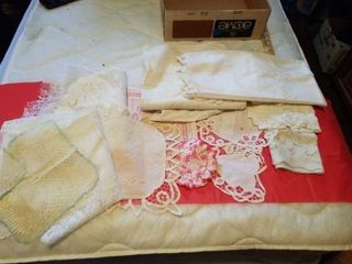 BOX OF AN ASSORTMENT OF DOIlIES