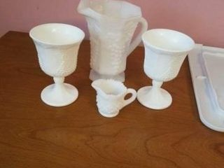 MIlKWARE PITCHER  CREAMER  GlASSES
