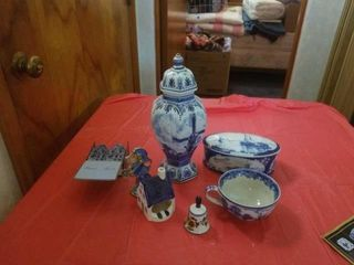 DElFT POTTERY  MISCEllANOUS DECORATIVE ITEMS