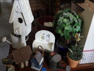 DECORATIONS  BIRD HOUSES  RUSTIC WATERING CANS