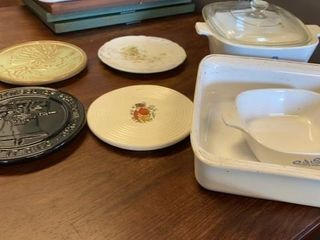 4 PIECE CORNING WARE SET  FlOWERED PlATE AND 3
