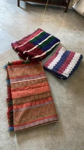 lAP BlANKET AND 2 AGHANS