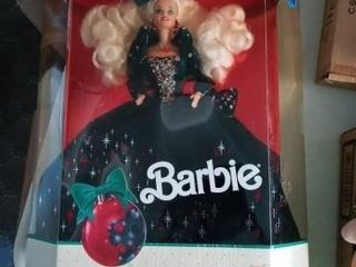 HAPPY HOlIDAYS BARBIE  BOXED