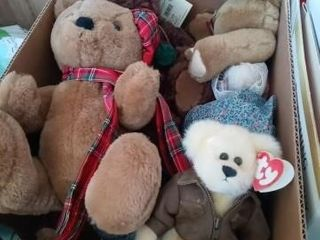 BOX OF TEDDY BEARS