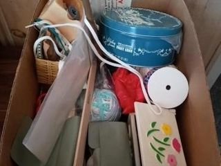 BOX OF MISC SEWING ITEMS