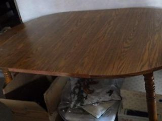 NICE DINING ROOM DROPlEAF TABlE