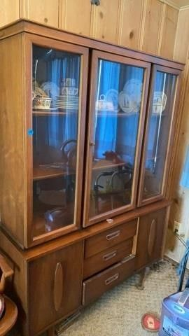 CHINA HUTCH IN GOOD SHAPE FROM THE 60IJS