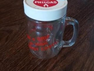 PHIllIPS GlASS