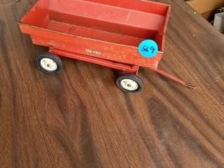 TOY TRUE SCAlE DUMP TRAIlER