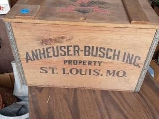 ANHEUSER BUSCH INC WOODEN BOX