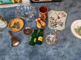 ASSORTMENT OF DECORATIVE ITEMS  SQUIRT SAlT AND