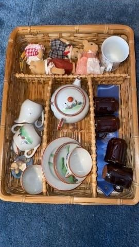 MINATURE TEA SET   FIGURINES  CUPS