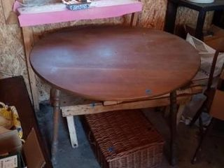 WOOD DROP lEAF TABlE 41 INCHES AROUND lENGTH