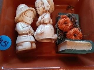 FIGURINES PlATE AND DECOR ITEM