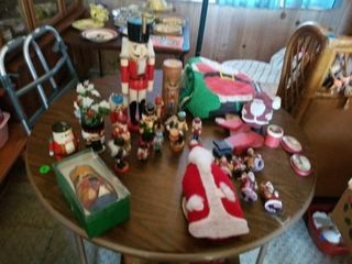NUTCRACKERS AND SANTAS AND NESTING EGGS  SANTA
