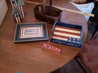 PATRIOTIC DECOR ITEMS