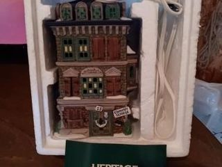 BOXED HERITAGE VIllAGE COllECTION lIGHTED