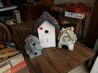 3 BIRD HOUSES